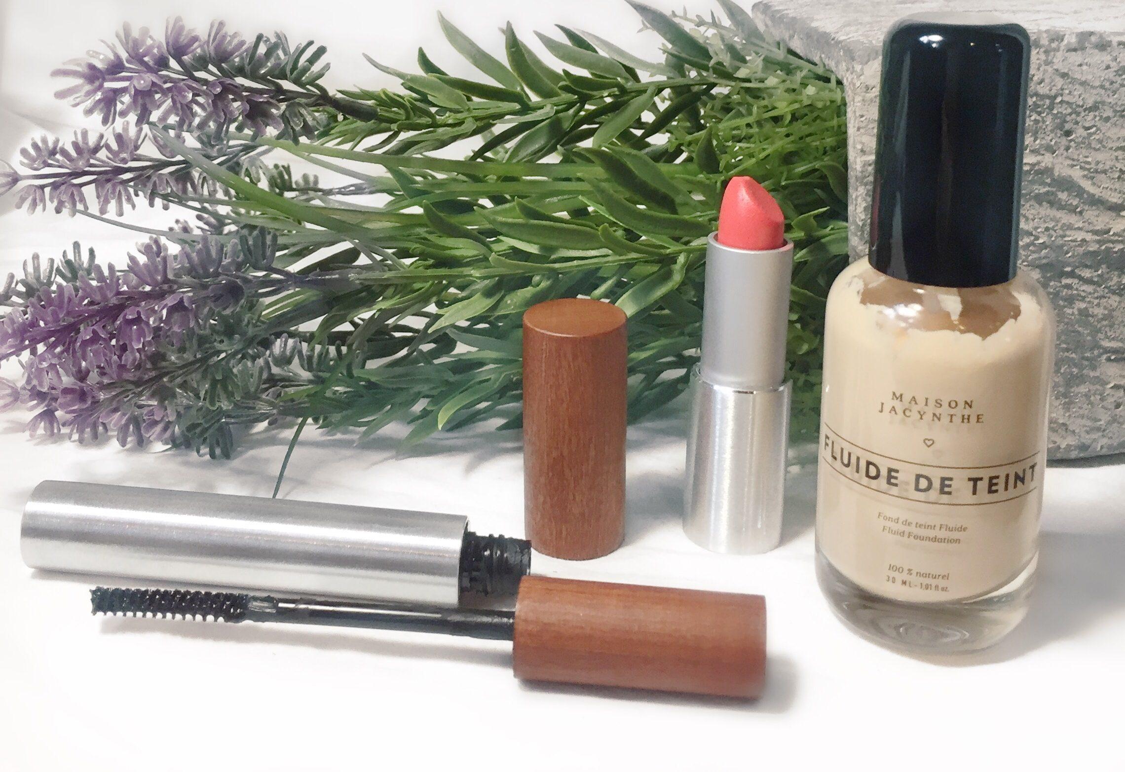 Mascara, rouge à lèvres et fluide de teint de Maison Jacynthe